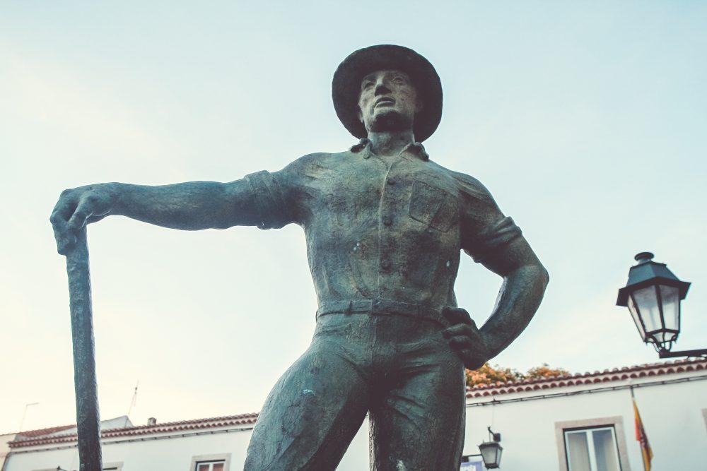 Estátua do Cavador
